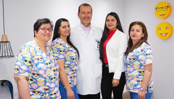 Dr Gabriel Oliveros | Equipo